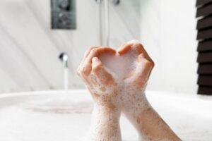 espuma en el baño